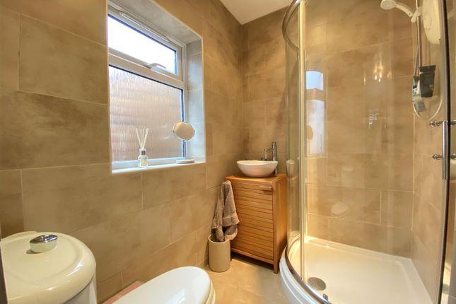 En-Suite of Church Road, Pamber Heath, Tadley RG26