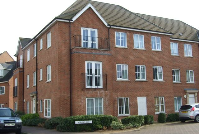 Thumbnail Flat to rent in Greensand View, Woburn Sands