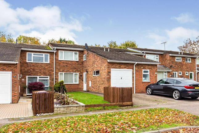Thumbnail Terraced house for sale in Curlew Close, Letchworth Garden City