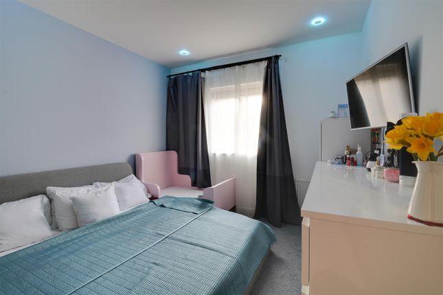 Bedroom 2 Opt 2  of Brambling Close, Greenhithe DA9