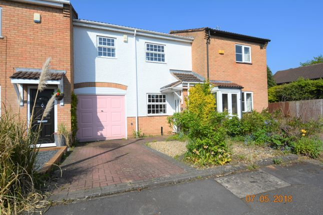 2 bed town house to rent in Crimscote Close, Shirley