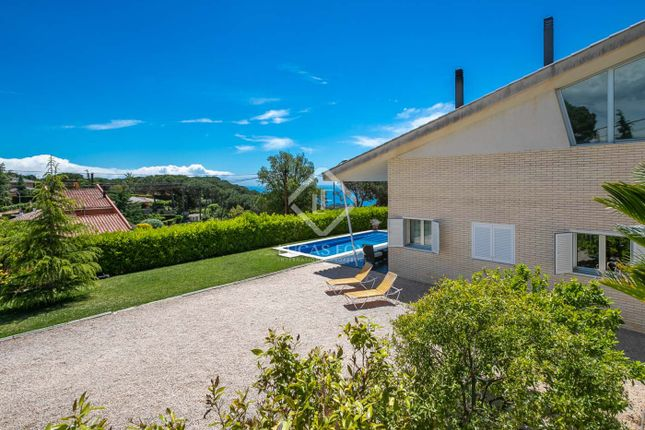 Thumbnail Villa for sale in Spain, Barcelona North Coast (Maresme), Arenys De Munt, Lfs4726