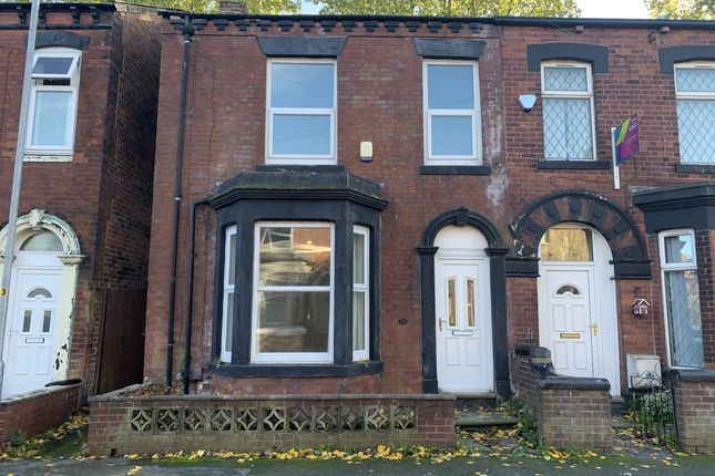 3 bed terraced house to rent in Queens Road, Chadderton, Oldham OL9