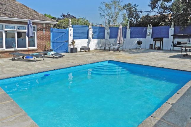 5 bed bungalow for sale in Uplands Way, Minster On Sea, Sheerness, Kent