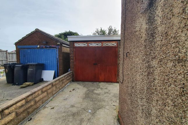 Thumbnail Semi-detached house to rent in Canford Road, Bradford