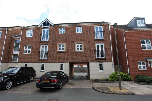 Thumbnail Flat to rent in Padbury Drive, Banbury