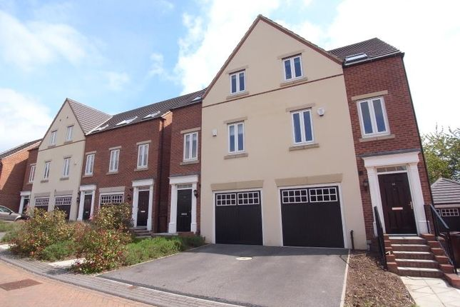 Thumbnail Town house to rent in Chandos Mews, Roundhay, Leeds