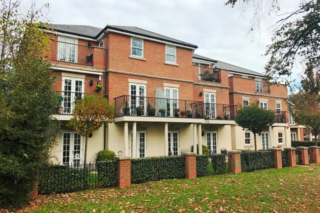 Thumbnail Flat to rent in Priests Lane, Brentwood