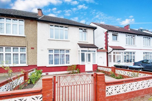 Thumbnail Semi-detached house for sale in Upsdell Avenue, London