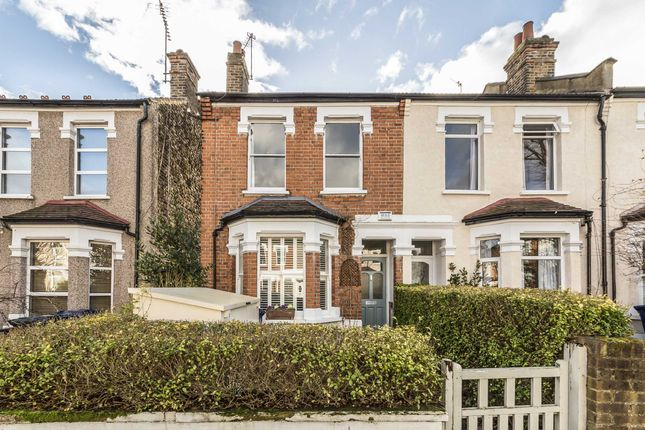 3 bed property for sale in Cranmer Avenue, London