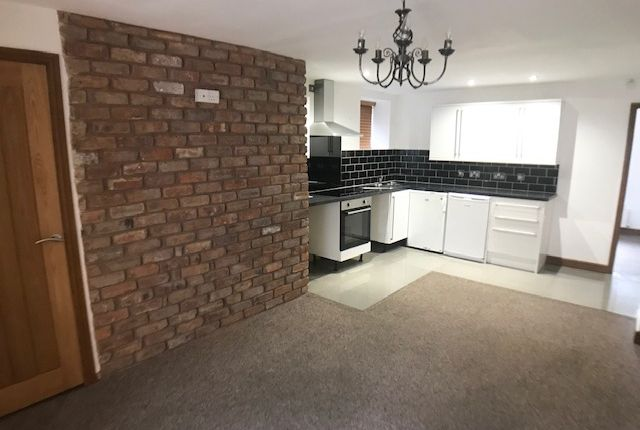 Thumbnail Flat to rent in Weavers Apartments, Cross Gates, Great Harwood