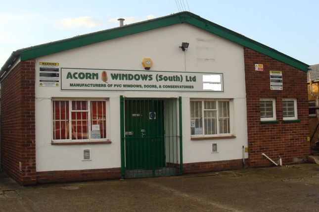 Thumbnail Warehouse to let in Claybank Road, Portsmouth