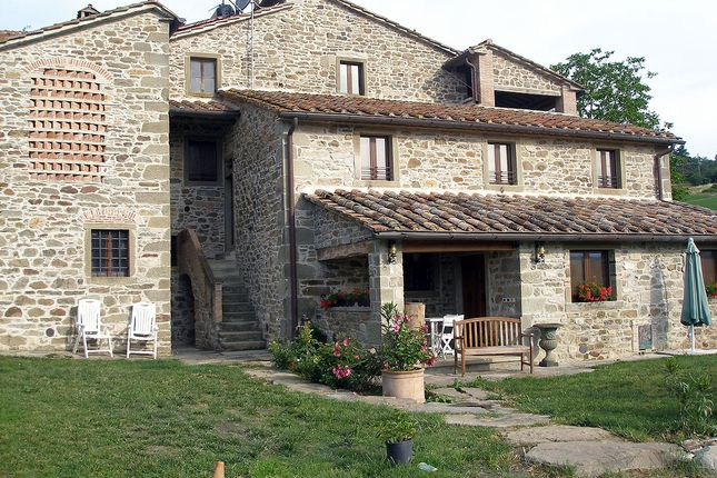 Thumbnail Hotel/guest house for sale in Caprese Michelangelo, Caprese Michelangelo, Arezzo, Tuscany, Italy