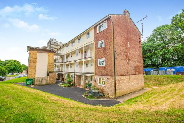 Thumbnail Maisonette for sale in Hollybush Estate, Cardiff