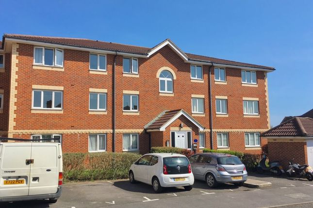 Thumbnail Flat to rent in Broad Oak Close, Eastbourne