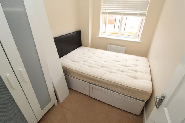 Thumbnail Room to rent in Anglian Way, Coventry