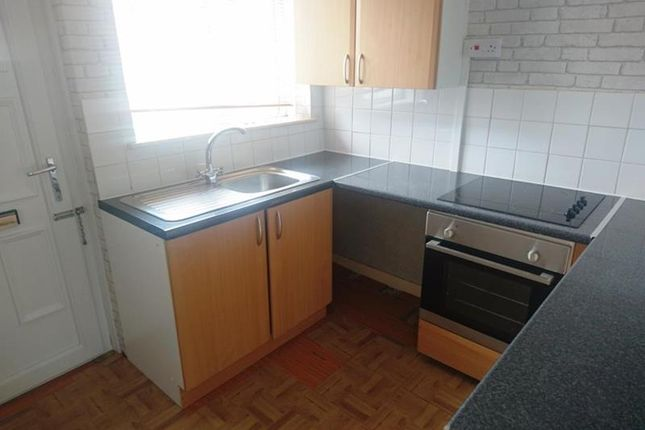 Thumbnail Flat to rent in Flat 2, 216 Shaw Road, Oldham, Lancashire