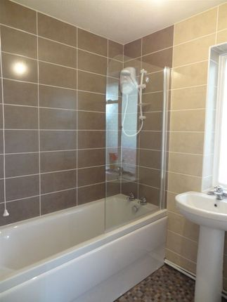 Thumbnail Flat to rent in Cecilian Avenue, Broadwater, Worthing
