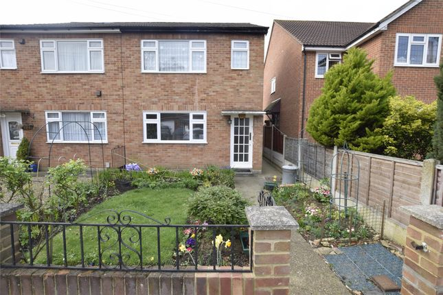 Thumbnail Maisonette to rent in Mount Pleasant Road, Collier Row, Romford