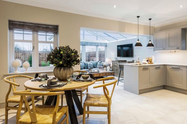 Dining Area of Pangbourne Hill, Pangbourne RG8