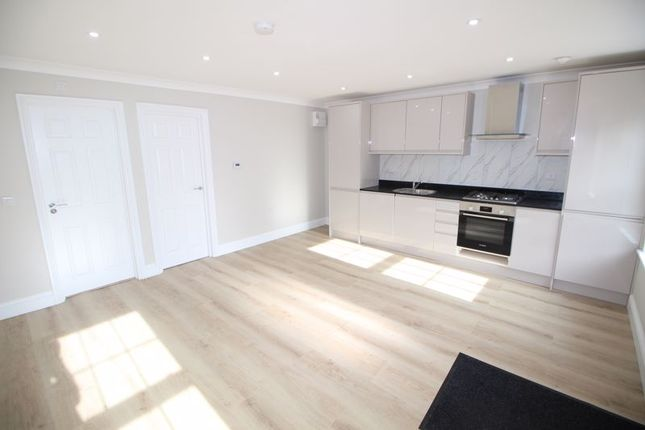 1 bed flat to rent in Deanway, Chalfont St. Giles HP8