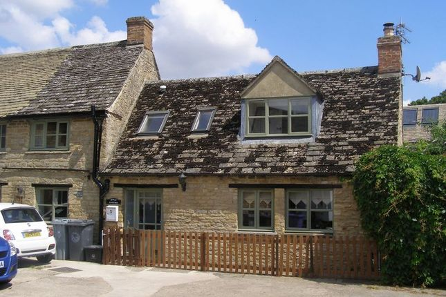 2 bed terraced house to rent in Cheyne Lane, Bampton