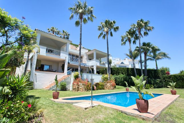 Thumbnail Villa for sale in Rio Real Golf, Marbella East, Malaga, Spain