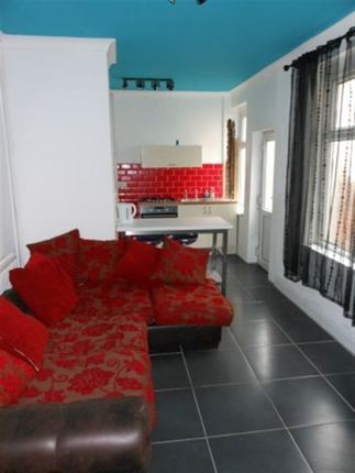 Thumbnail Property to rent in Talworth Street, Roath, (5 Beds)