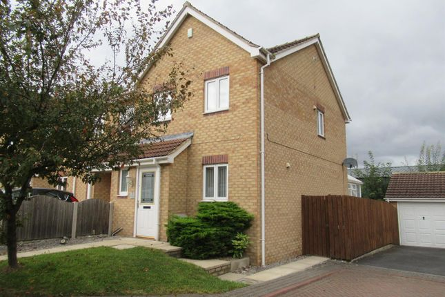 3 bed town house to rent in Forrester Court, Robin Hood, Wakefield WF3