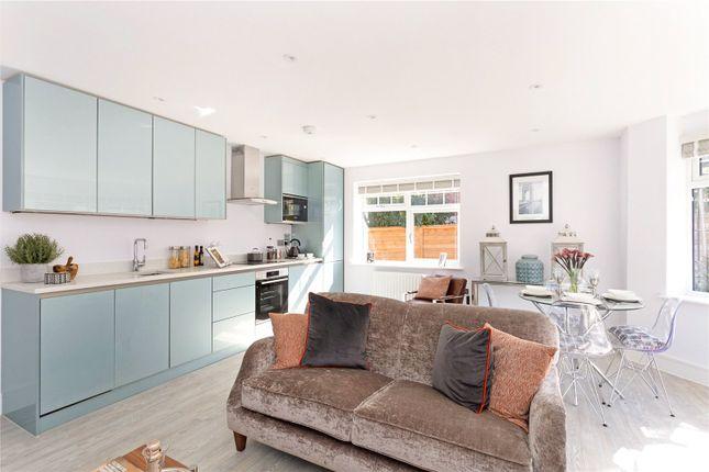 Thumbnail Flat for sale in Marlborough House, Basingstoke Road, Spencers Wood