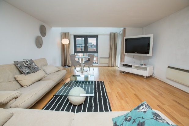 Thumbnail Flat to rent in Calverley Street, Leeds