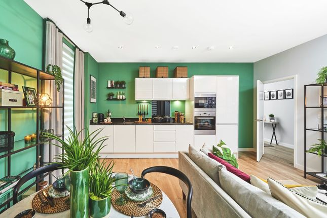 Thumbnail Flat for sale in Victoria Way, Charlton, London
