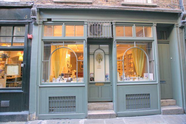 Retail premises to let in Artillery Passage, London