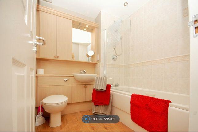 Main Bathroom of New Century House, Aberdeen AB11