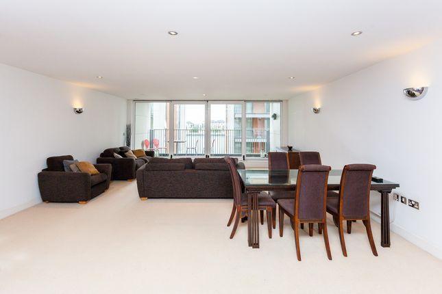 Thumbnail Flat to rent in Marmara Apartments, Canary Wharf
