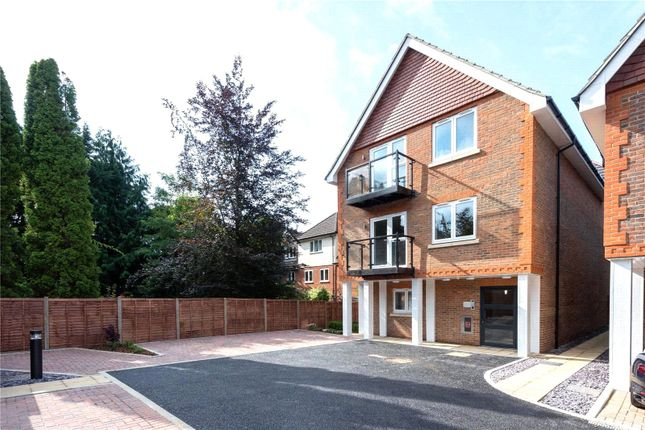 2 bed flat for sale in Wain Close, London Road, St Albans AL1