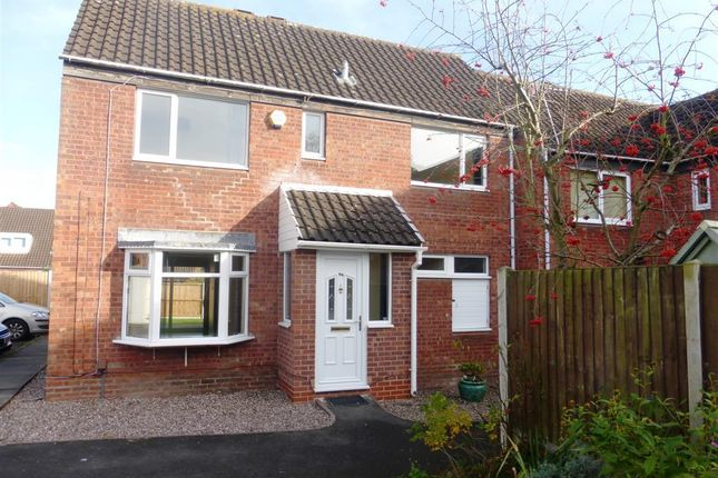 Thumbnail Property to rent in Edgeworth Close, Redditch