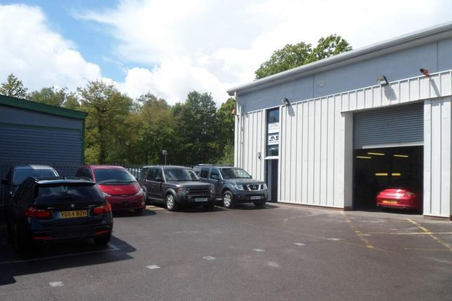 Warehouse to let in Unit 10 Coopers Place, Godalming, Surrey