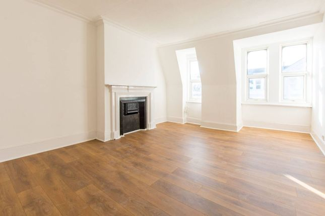 Thumbnail Flat to rent in Grand Parade, Green Lanes, Harringay, London