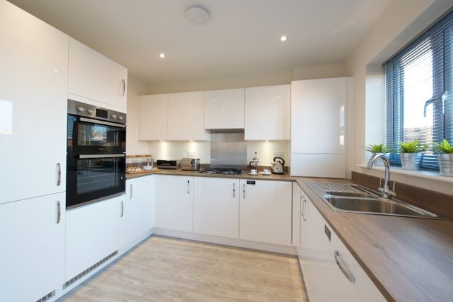Thumbnail Terraced house for sale in St Francis Close, Tring