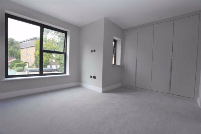 Thumbnail Flat to rent in Arterberry Road, Wimbledon