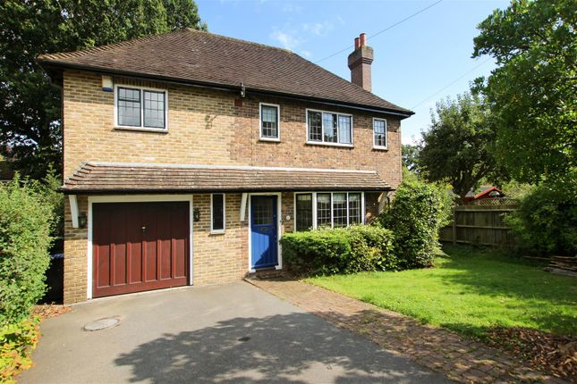 Thumbnail Detached house to rent in Denmans Close, Lindfield, Haywards Heath