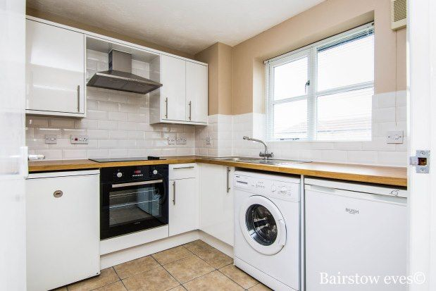 1 bed flat to rent in Wells Court, Romford RM1