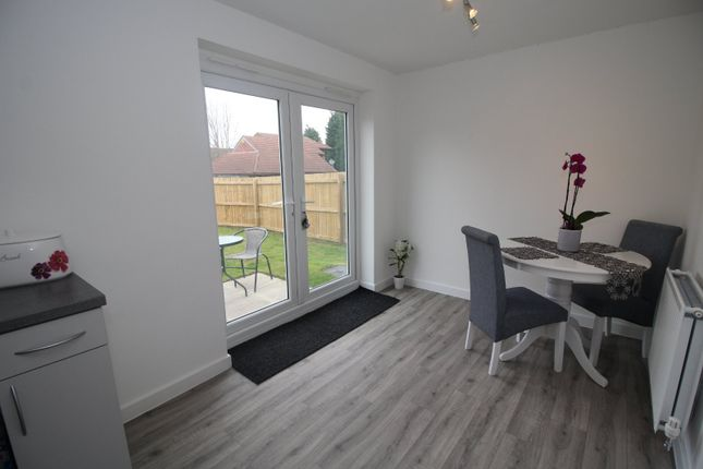 Picture No. 10 of Friarwood Avenue, Pontefract, West Yorkshire WF8