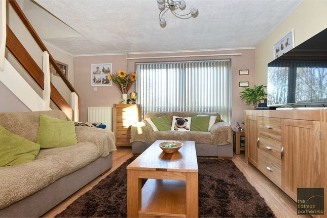 2 bed maisonette for sale in Shelley Close, Langley, Berkshire