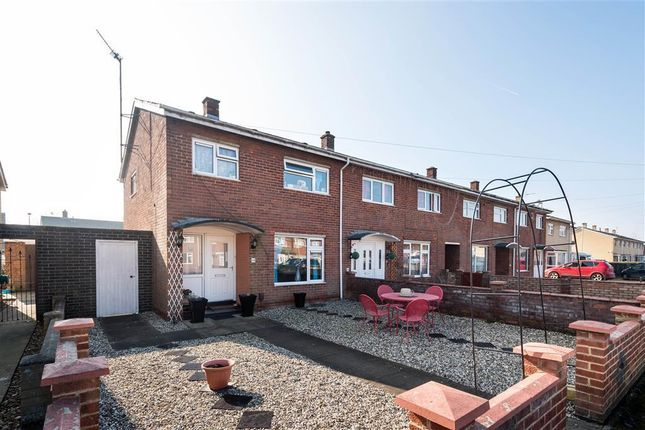 Thumbnail End terrace house to rent in Gainsborough Green, Abingdon