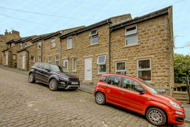 Thumbnail Town house to rent in Castle Court, Skipton