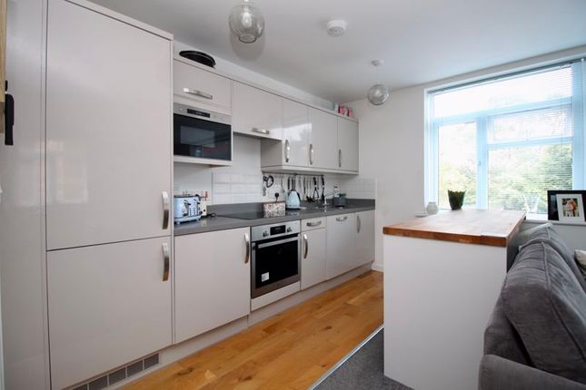 Kitchen of 46, Peartree Avenue, Southampton SO19
