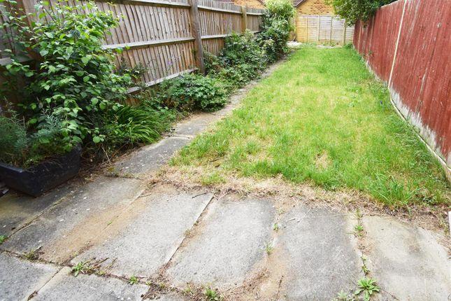 Rear Garden of Calverleigh Crescent, Furzton, Milton Keynes MK4