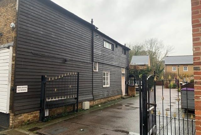 Thumbnail Flat to rent in High Street, Stanstead Abbotts, Ware